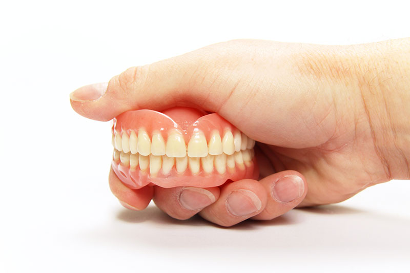 management-of-loose-fitting-dentures